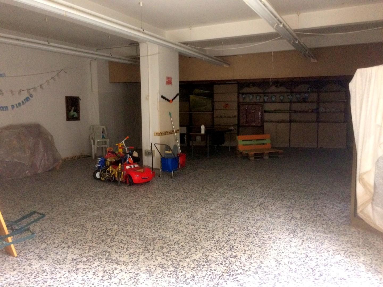 Magazzino in vendita a Montenero, Livorno