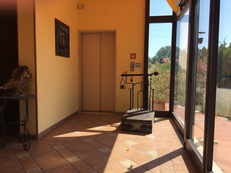 Foto 4/23 per rif. Hotel Ristorante (SI)