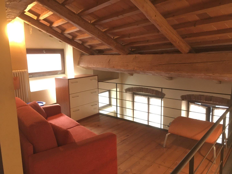 Casa semindipendente in affitto, rif. E320