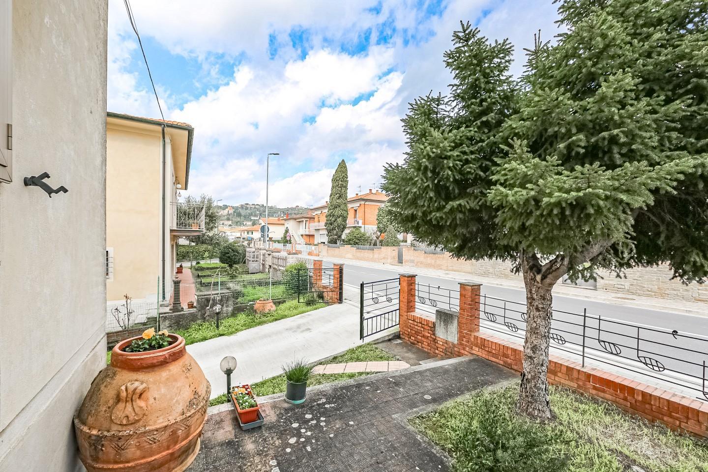 Appartamento in vendita a Palaia, 5 locali, prezzo € 119.000 | PortaleAgenzieImmobiliari.it