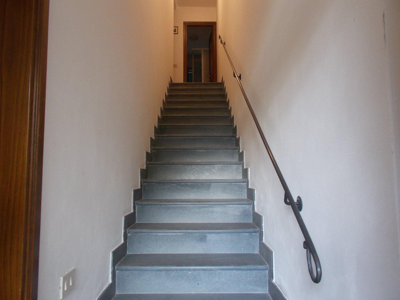 Appartamento in affitto a Ponsacco, 4 locali, prezzo € 450 | CambioCasa.it