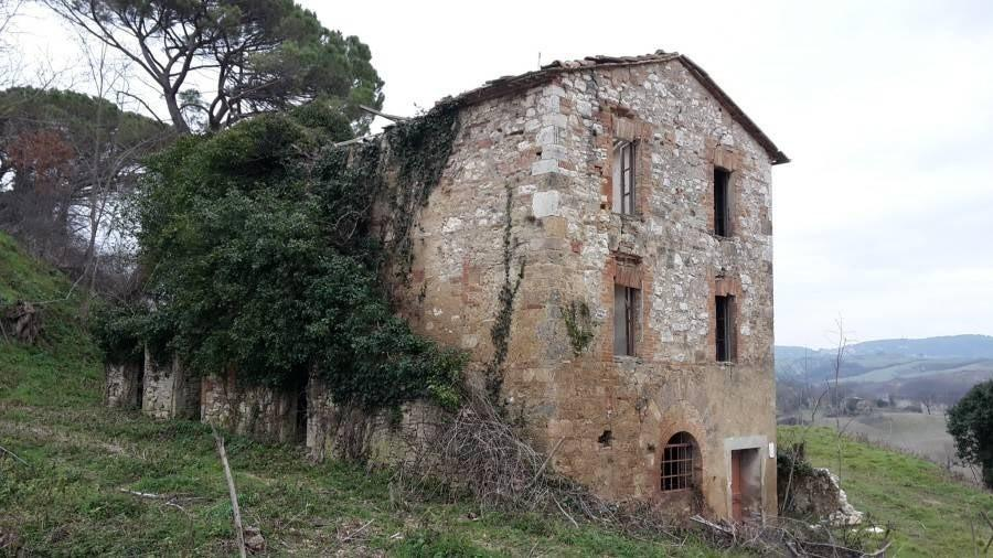Farmhouse for sale in LaundriesAsciano (SI)