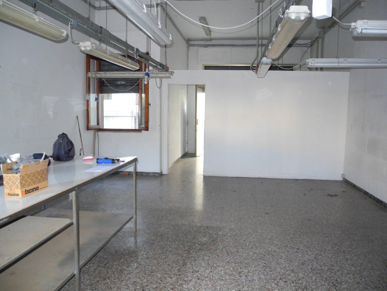 Locale comm.le/Fondo in affitto commerciale a Spicchio, Vinci (FI)
