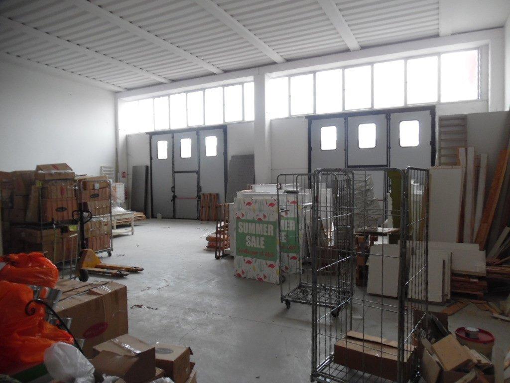 Capannone artigianale in affitto a Calcinaia (PI)