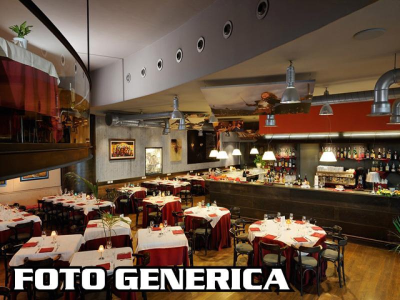 Foto 9/10 per rif. Lungarno bar ristorante etc.