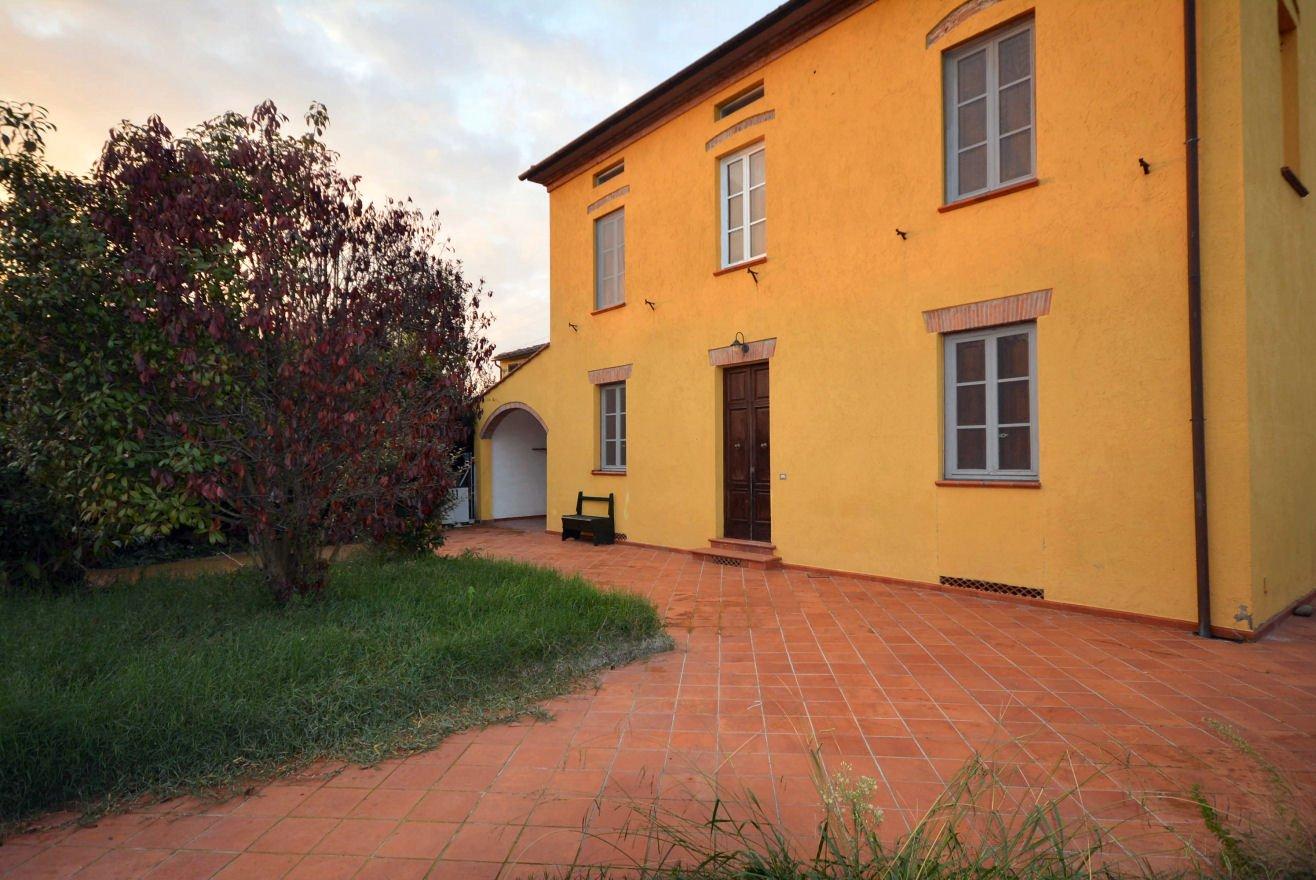 Villa singola in affitto a Lucca