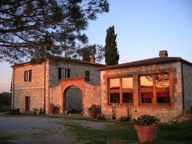 Albergo in vendita a Rapolano Terme, 25 locali, prezzo € 1.900.000 | CambioCasa.it