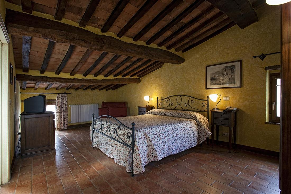 Hotel for sale in Montalcino (SI)
