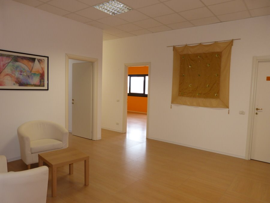 Office for commercial rentals in Colle di Val d'Elsa (SI)