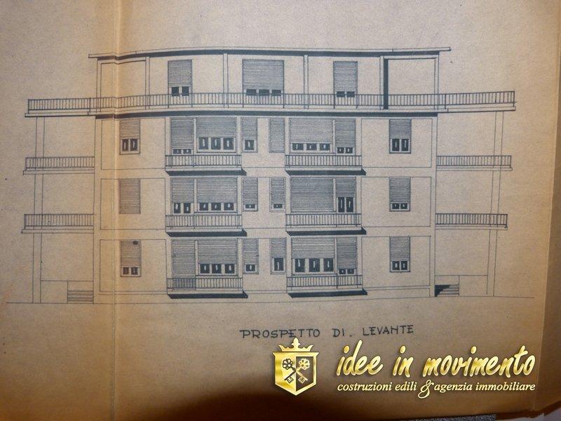 Stabile/Palazzo in vendita a Marina Di Massa, Massa