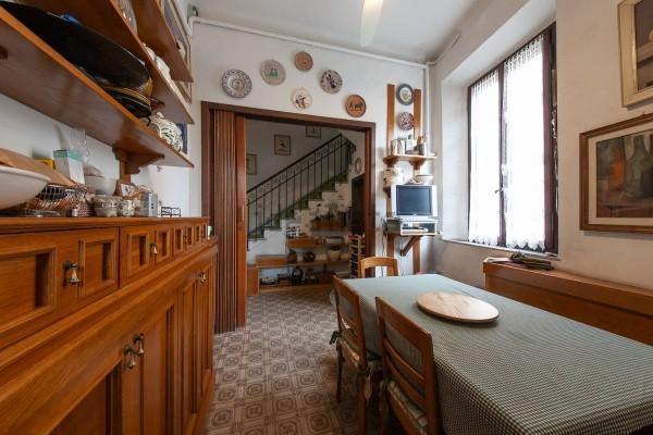 Villa singola in vendita, rif. con terrazza appatamento di 200
