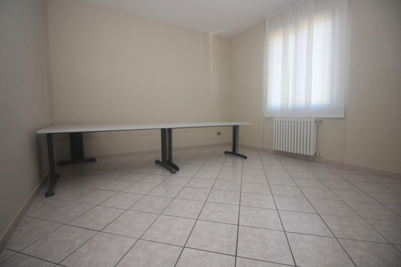 Appartamento in affitto, rif. R/539