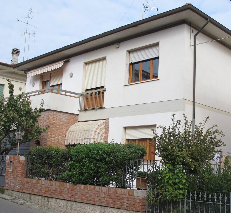 Porzione di casa in vendita, rif. CC178