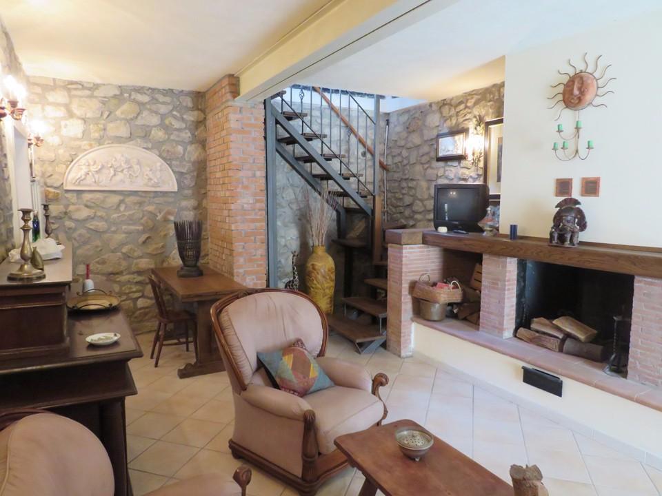 Casa singola in vendita a Grondola, Pontremoli (MS)