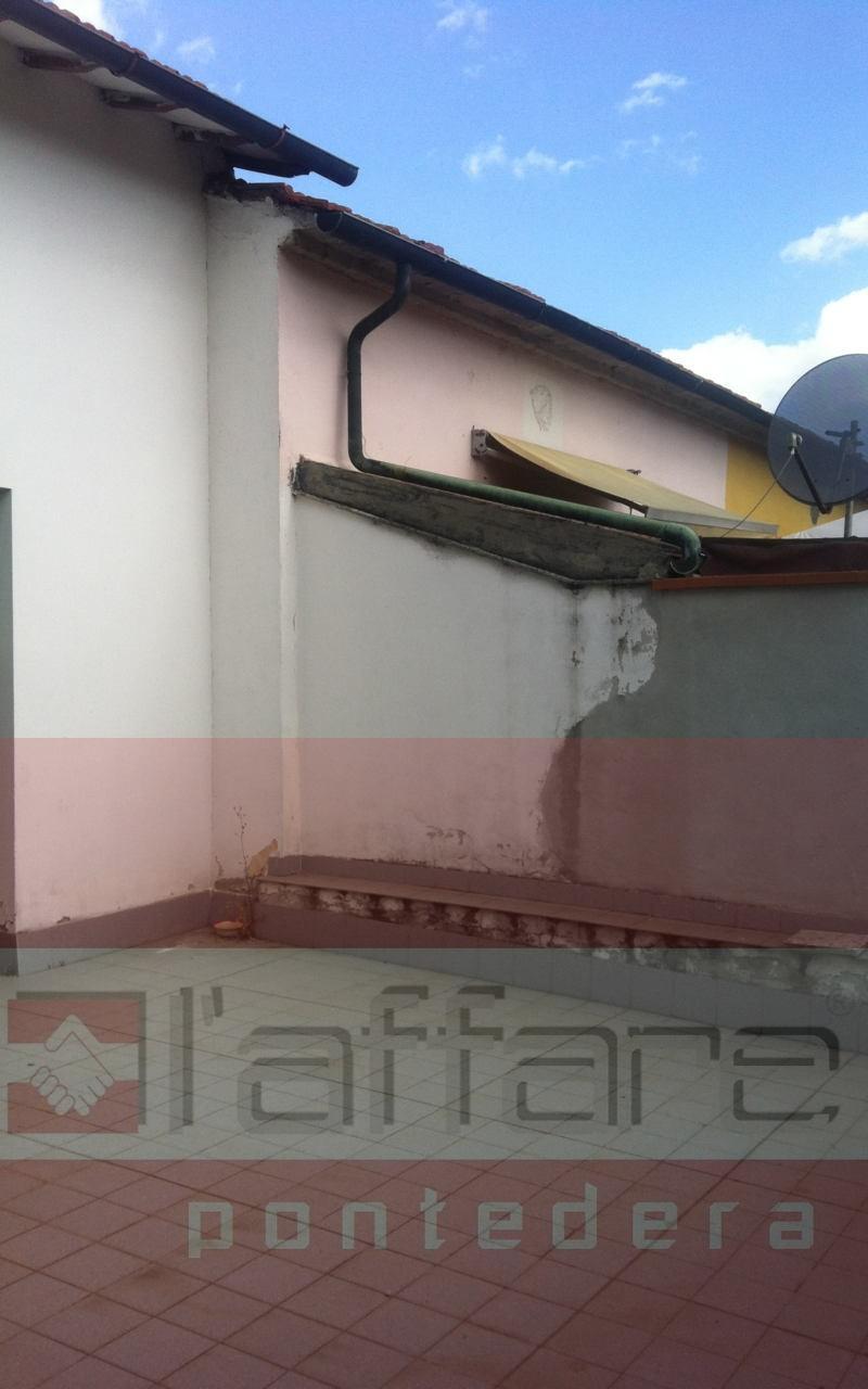 Ufficio in affitto commerciale a Pontedera (PI)