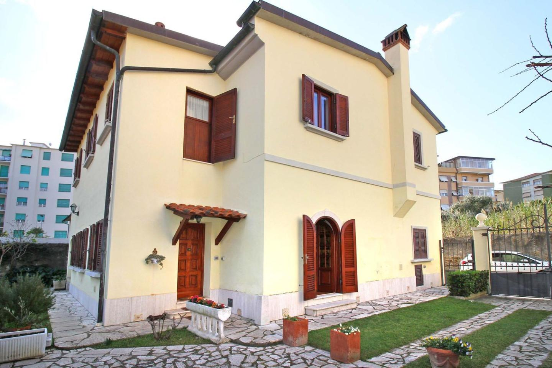 Casa singola a Livorno