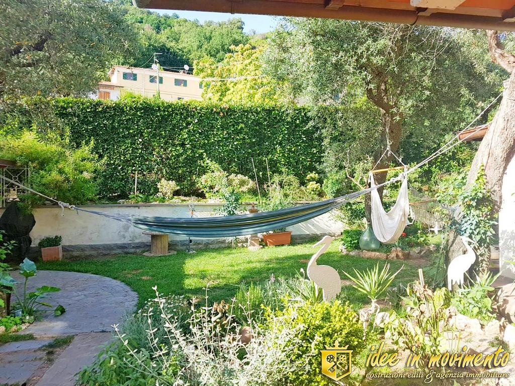 Villetta trifamiliare in vendita a Capanne, Montignoso (MS)