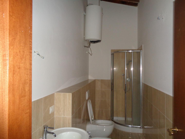 Appartamento in affitto, rif. A11af