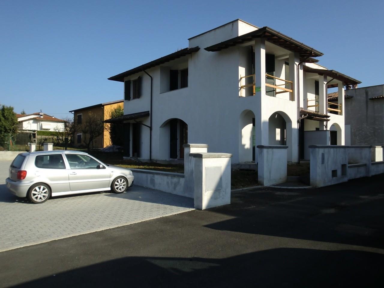 Villetta bifamiliare in vendita a Albiano, Barga (LU)