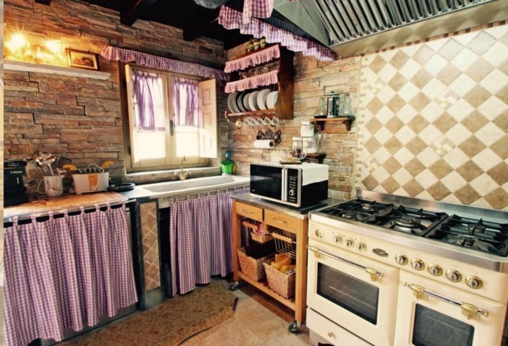 Casa semindipendente in vendita - Basati, Seravezza