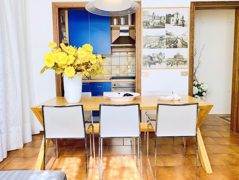 Sala da pranzo e cucinotto