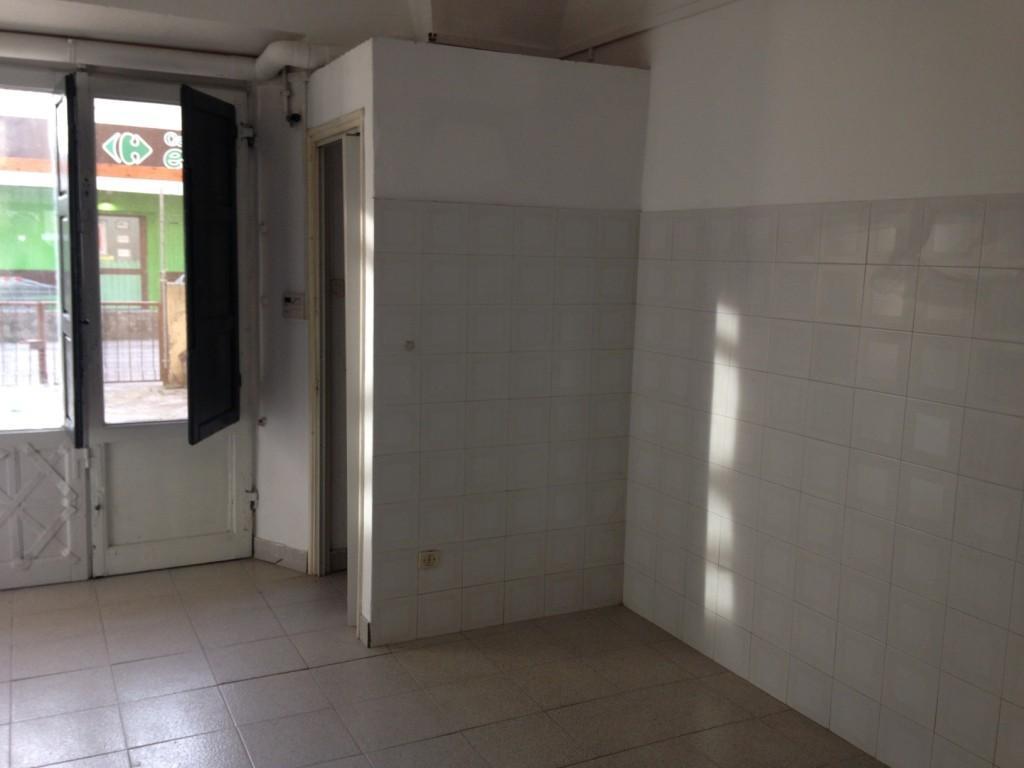 Locale comm.le/Fondo in affitto a Riglione Oratoio, Pisa