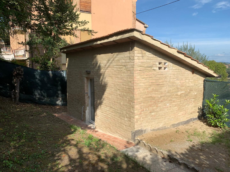 Magazzino in vendita a Siena