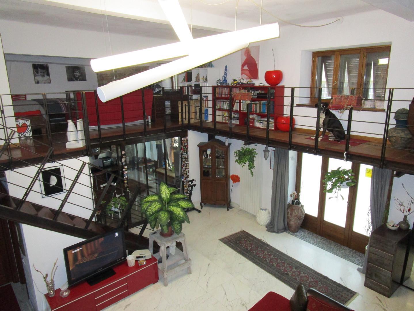 Casa semindipendente in vendita, rif. A1003