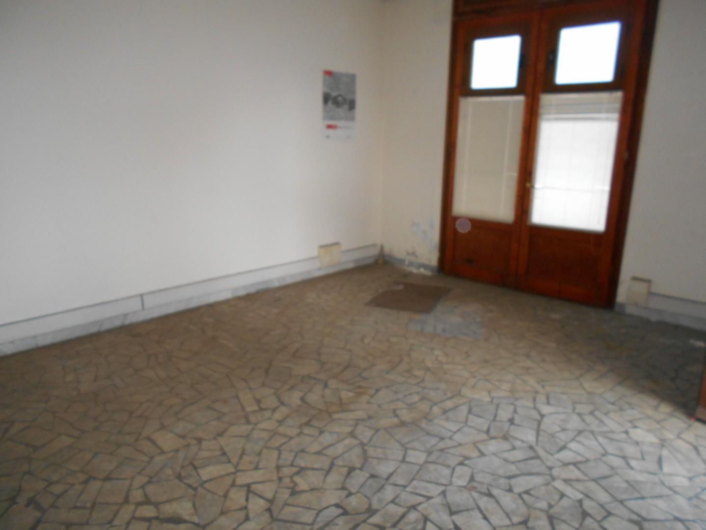 FONDO COMMERCIALE in Affitto a Pisa (PISA)
