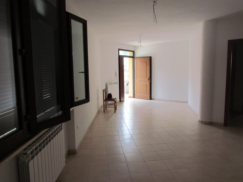 Casa semindipendente in Affitto, rif. L156