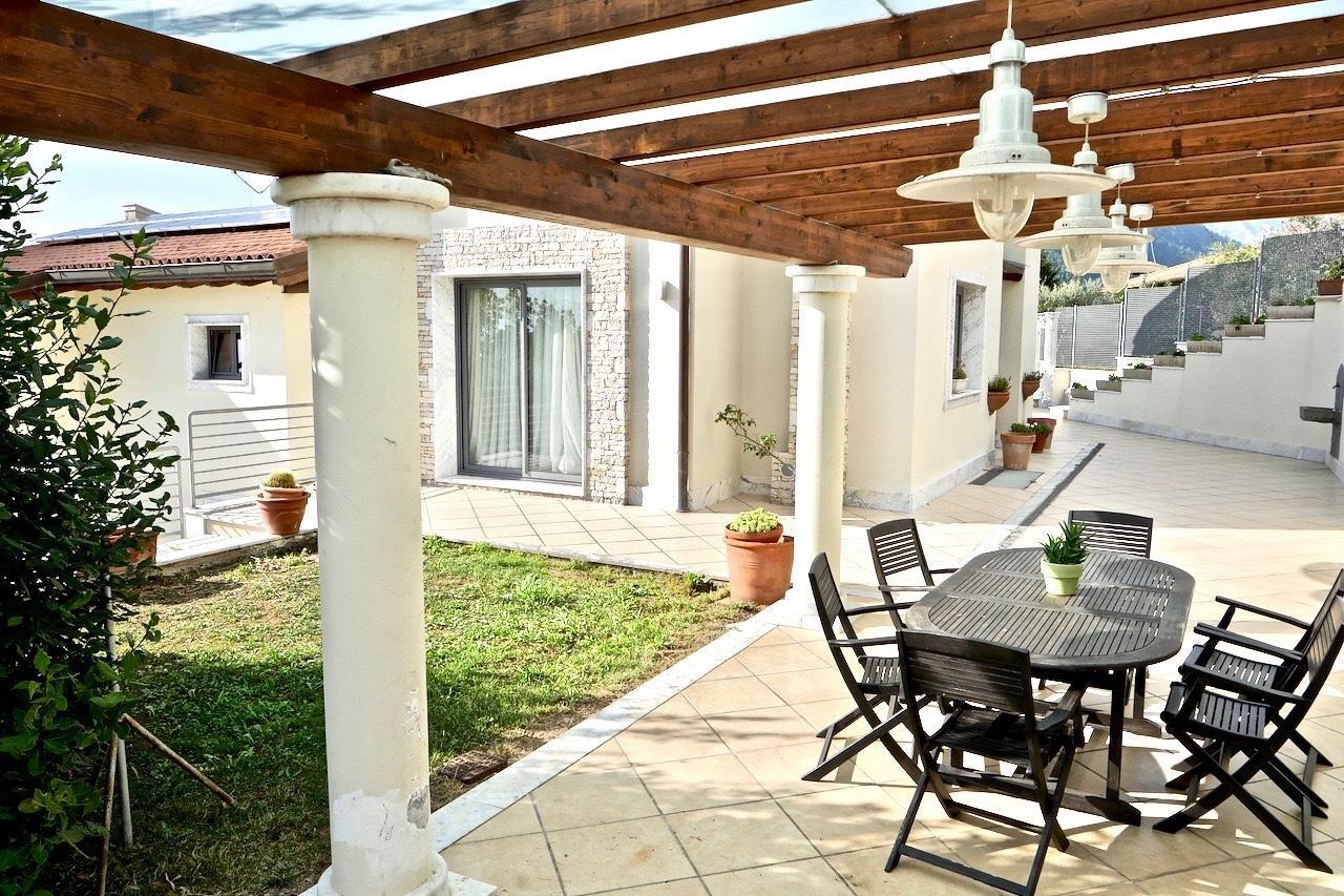 Villetta bifamiliare in vendita, rif. CLA-001