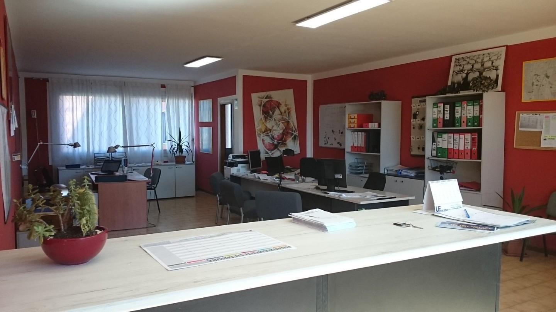 Ufficio in vendita a Massa e Cozzile (PT)