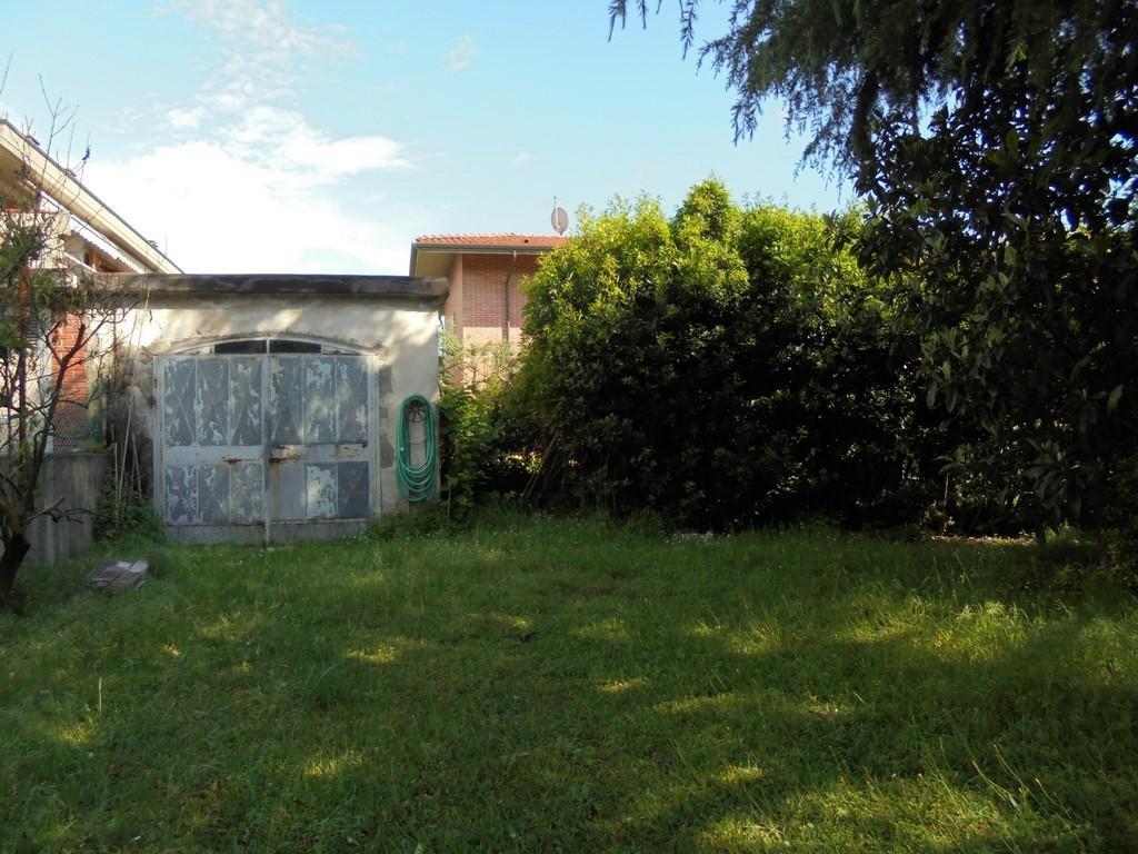 Garage in vendita a Massa