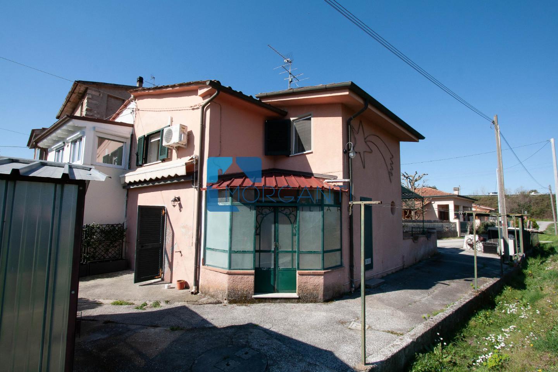 Casa semindipendente in vendita a Pietrasanta (LU)