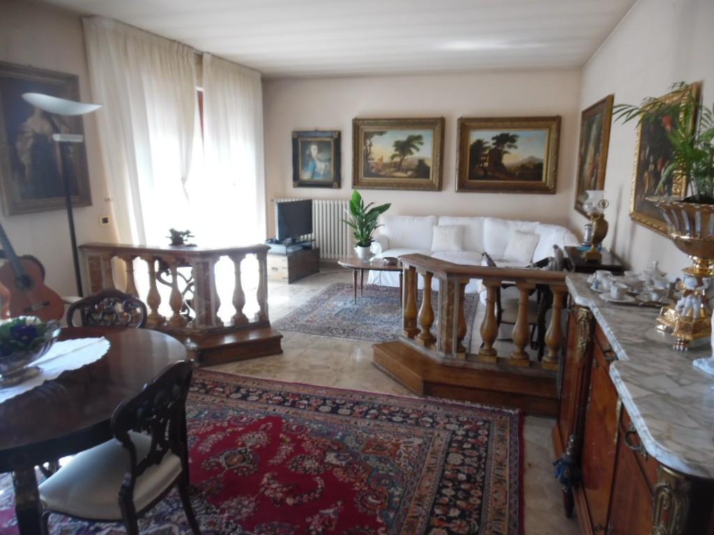 Attico / Mansarda in vendita a Pontedera, 5 locali, prezzo € 250.000 | PortaleAgenzieImmobiliari.it