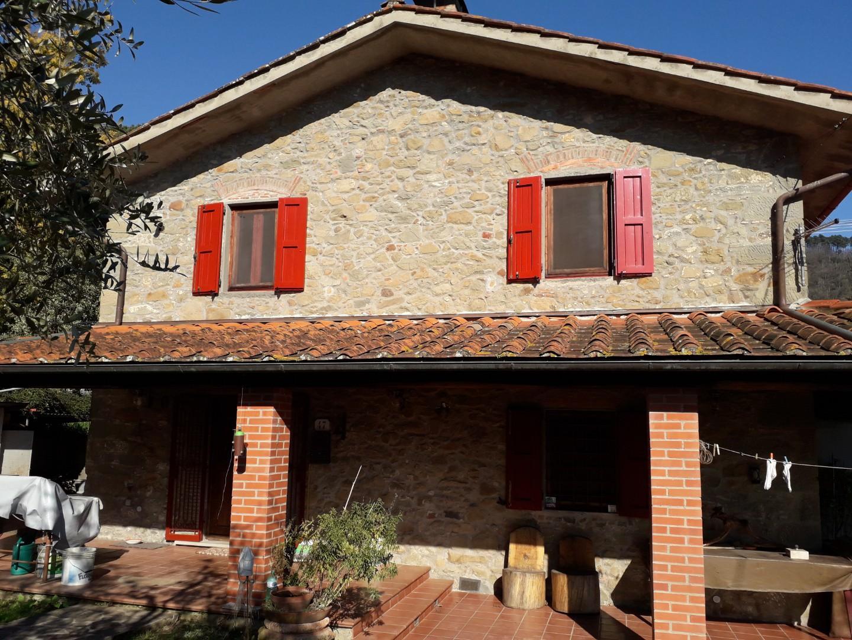 Villetta bifamiliare in vendita a Marliana (PT)