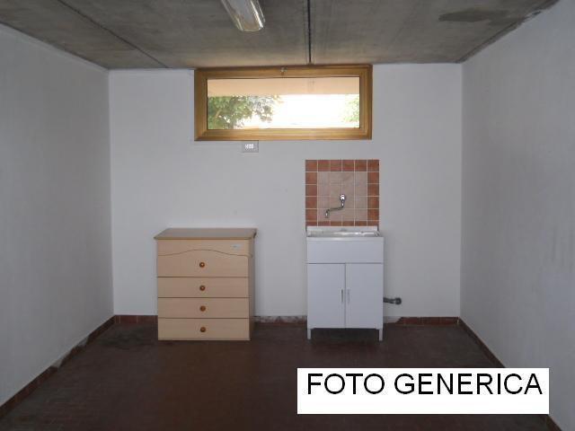 Garage in affitto a Calci (PI)