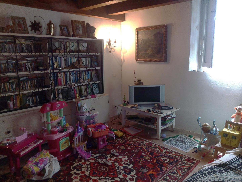 Appartamento in vendita a Peccioli, 3 locali, prezzo € 95.000 | CambioCasa.it