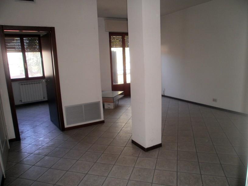 Ufficio / Studio in vendita a Carrara, 9 locali, prezzo € 275.000 | PortaleAgenzieImmobiliari.it