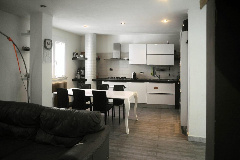 Casa singola in vendita, rif. LOG-300