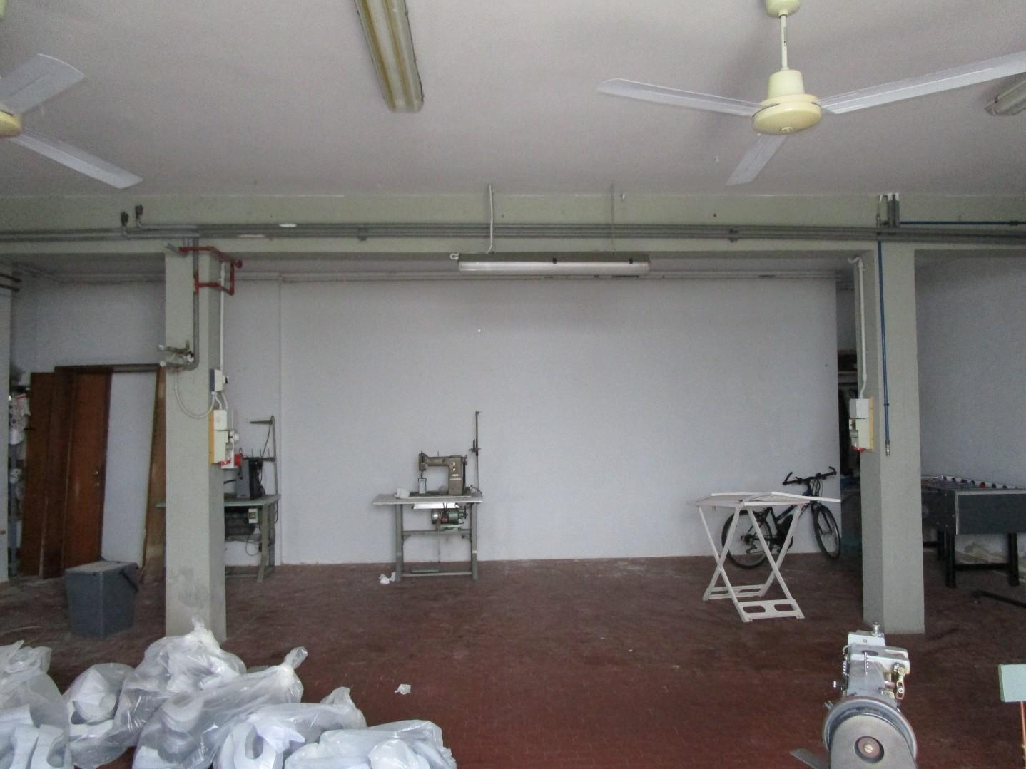 Laboratorio in affitto commerciale a Santa Croce sull'Arno (PI)