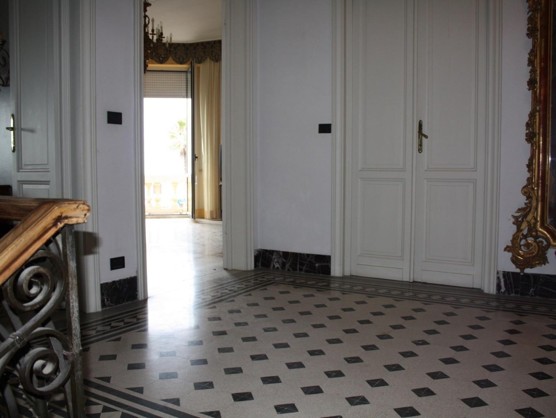 Stabile/Palazzo in vendita - Passeggiata, Viareggio