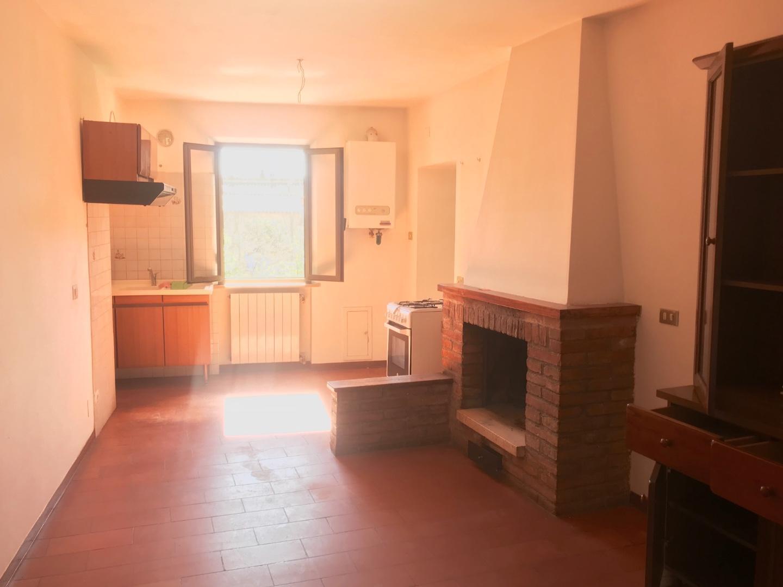 Appartamento in vendita a Asciano, 5 locali, prezzo € 89.000 | PortaleAgenzieImmobiliari.it