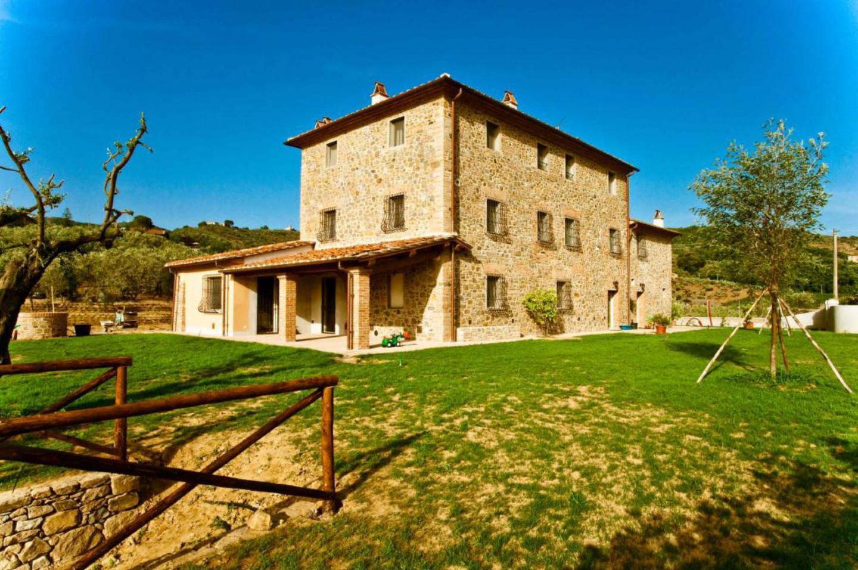 Rustico / Casale in vendita a Lamporecchio, 15 locali, prezzo € 1.500.000 | CambioCasa.it