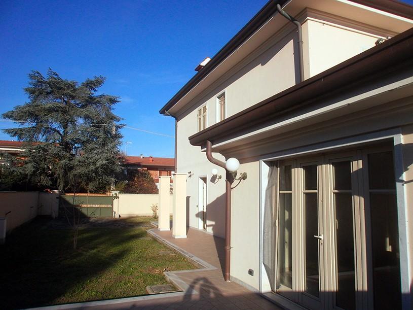 Villetta bifamiliare in vendita a Marina Di Carrara, Carrara (MS)