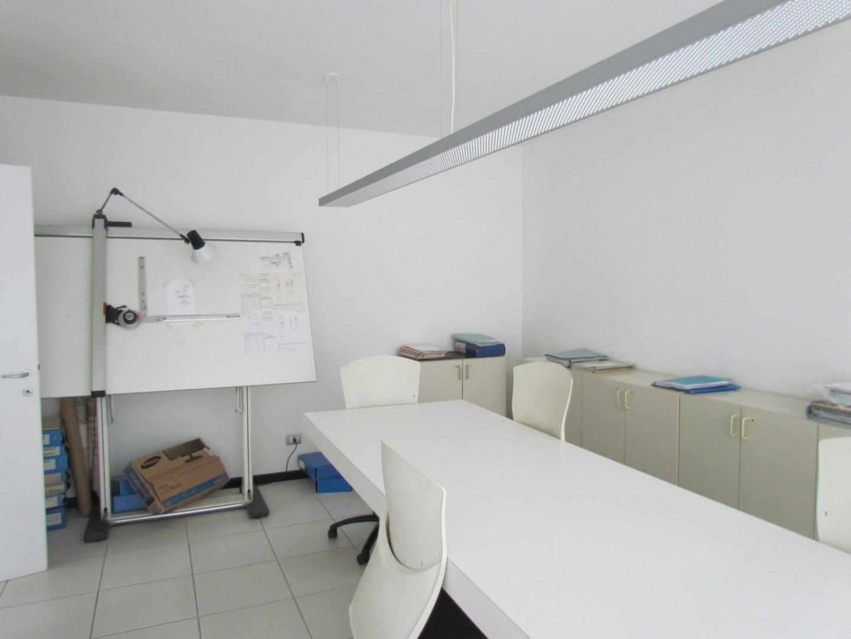 Ufficio in affitto commerciale, rif. A0016