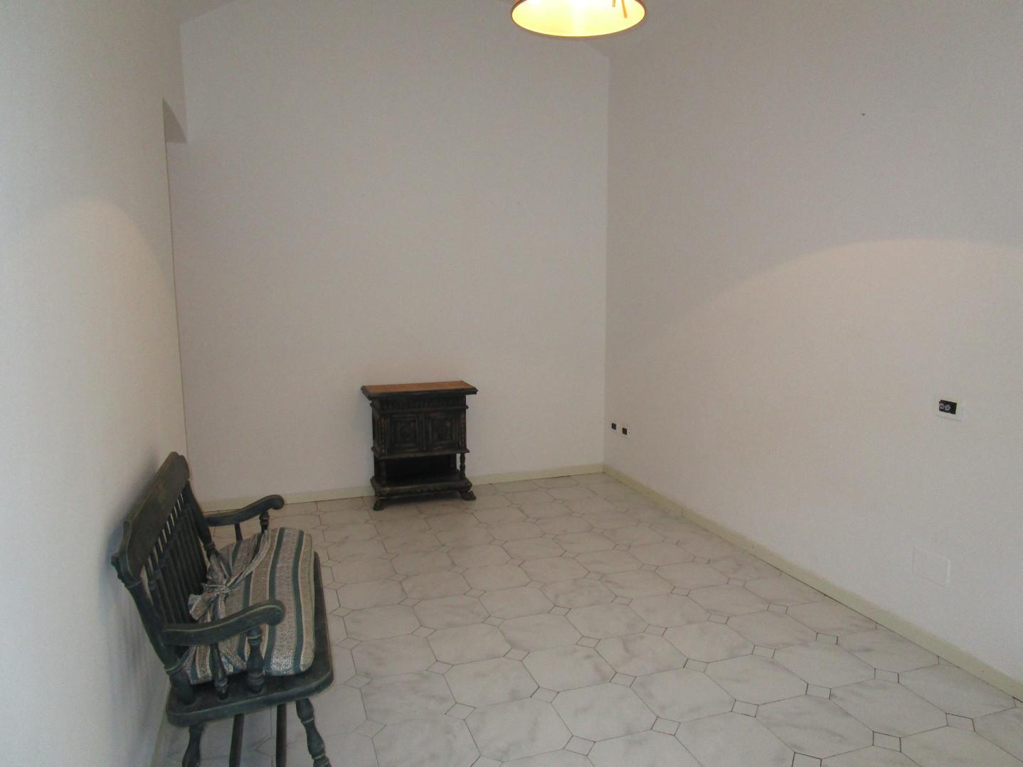 Appartamento in affitto, rif. E332