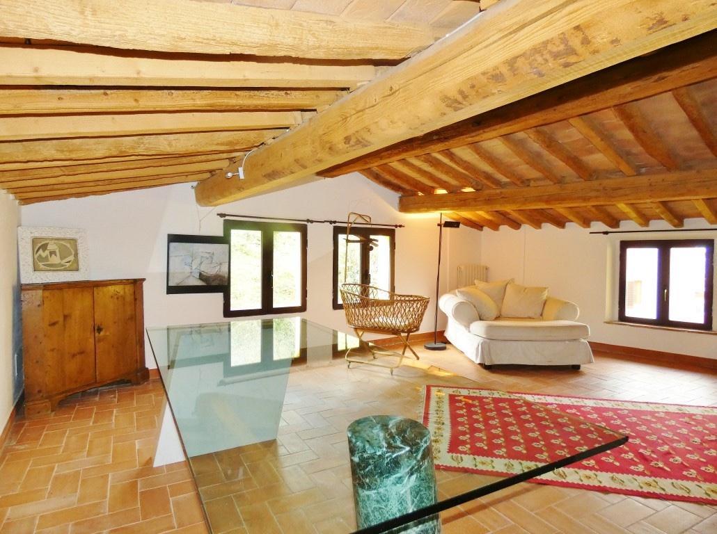 Rustico / Casale in vendita a Calci, 12 locali, prezzo € 580.000 | PortaleAgenzieImmobiliari.it