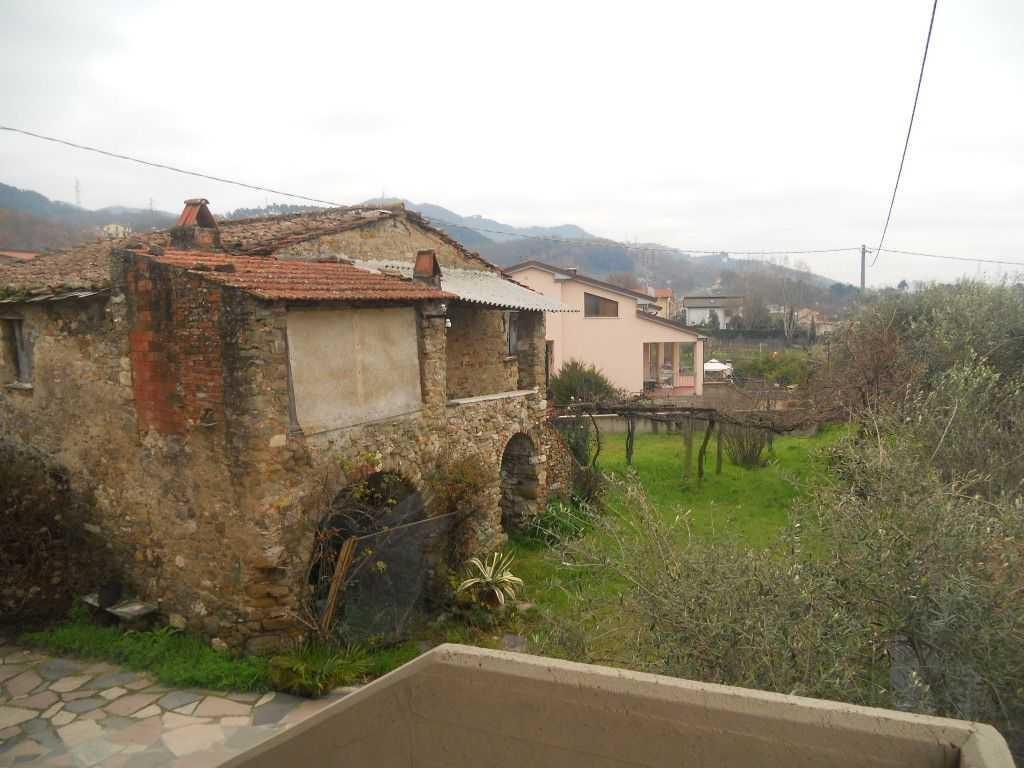 Rustico in vendita a Castelnuovo Magra (SP)