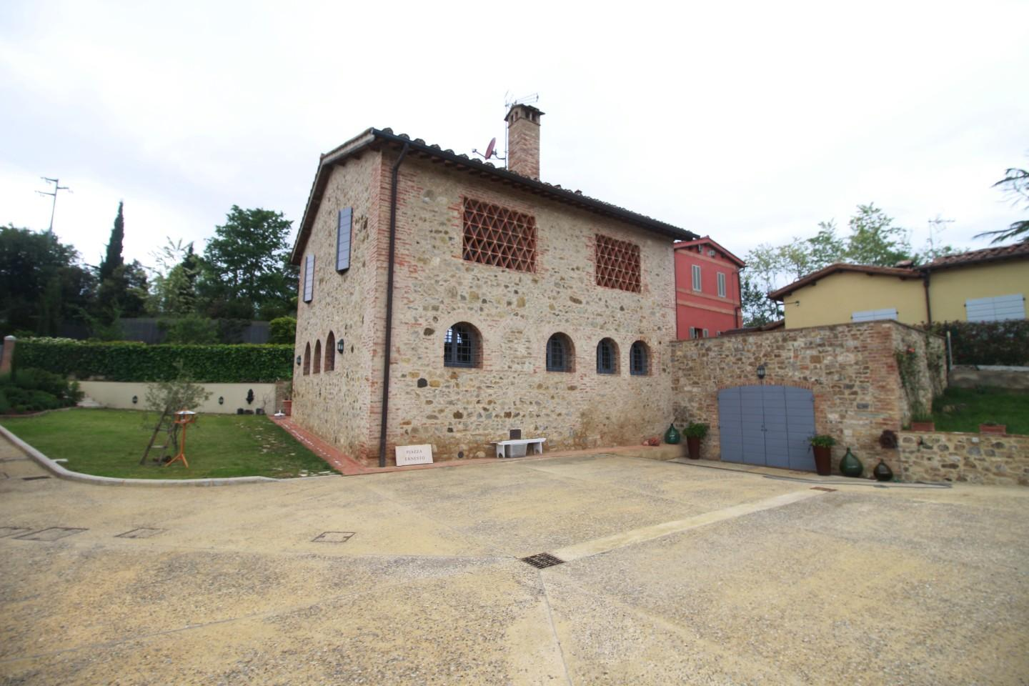 Farmhouse for sale in LaundriesSiena